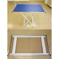 持ち運び簡単!作業用、アウトドア用に最適な折りたたみテーブルです。高さ調節が可能です(800〜550...