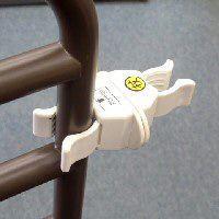 杖ホルダー つえポンPタイプ ベッド・車椅子用 パイプ挟み込みタイプ 1個|okitatami