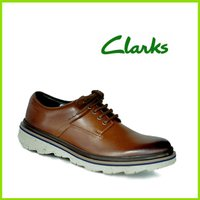 クラークスジャパン Clarks Frelan Lace カジュアルな雰囲気のメンズシューズ ●ブラ...