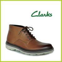 クラークスジャパン Clarks Frelan Hike カジュアルな雰囲気のメンズチャッカーブーツ...