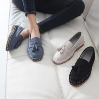フラットシューズ レディース ペタンコ タッセル スエード調 ファッション 靴 婦人靴  素材:スエ...