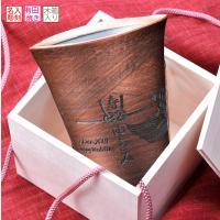 シンプルな作りだからこそオリジナリティが映える 男性が喜んでくれそうなデザインのカップです。下が細い...