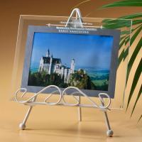 サービスサイズの写真が一枚入るガラス製のフォトフレーム  上部のガラス部分に好きな文字をいれて オリ...