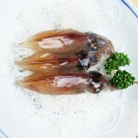 鮮度抜群の富山湾でとれたホタルイカをCAS冷凍で獲れたてそのままの鮮度でお届けします。先取りの春のメ...
