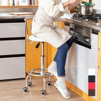 座面の高さが調節できる昇降式キッチンチェア。キャスター付きで座ったまま移動が出来ます。キッチンでラク...