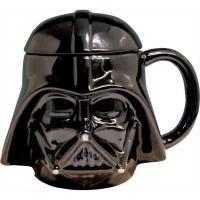 スターウォーズのシスの暗黒卿、ダースベイダーのマグカップ! お馴染みのベーダーマスクは磁器のつやがマ...
