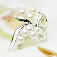 ●素材 淡水真珠:約5.5-6.0mm (ボタン) ●大きさ ブローチ:約28x46mm ●重量 ブ...