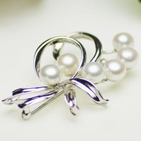 ●素材 淡水真珠:約6.0-6.5mm (ボタン) ●大きさ ブローチ:約30x42mm ●重量 ブ...