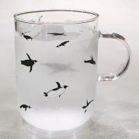 泳ぐ! ペンギン 耐熱 マグカップ  500ml  ( ガラス カフェ コーヒー 大きめ )  ホワイトデー   ホワイトデーのお返し