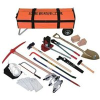 プロ仕様の救助工具セット! カート付(ノーパンク)で一人でも現場に直行できます。 ●収納箱サイズ(c...