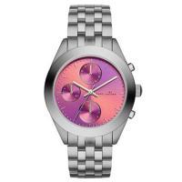 マークバイマークジェイコブスの最新作の時計を入荷しました!ミニマルなデザインがさまざまなシーンにマッ...