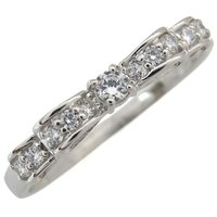 4月誕生石ダイヤモンドを使用した、リボンモチーフのプラチナ製リング(指輪)です。 婚約指輪(エンゲー...