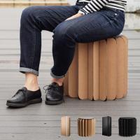 「ブックニチュア」は軽くて持ち運びが可能な家具です。閉じれば本のようにコンパクトになり、開けば簡単に...