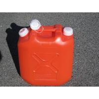 灯油缶ポリ製 赤20L ノズルが付いて給油も楽にできます。  純日本製 長野県千曲化成の製品です。御...