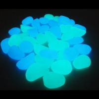 光を蓄積して暗所で光ります。青と緑を20個ずつセットにしました。 プランター等に入れれば、幻想的なイ...