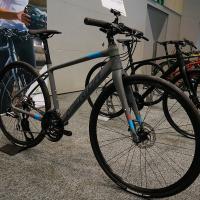 @自転車本体・フレーム≫クロスバイク≫クロスバイク(700×28c)≫ディスクブレーキ仕様 MERI...