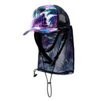 帽子を畳みスナップボタン留めの日よけに収納することで携帯が可能なハーフメッシュサーフキャップです。ア...