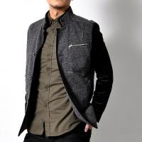 スポーティなナイロンジップアップパーカージャケット。 ナイロン素材が光沢色になってオシャレで明るい印...