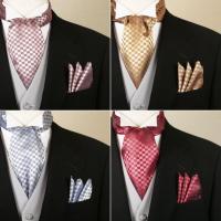 スカーフに共布ポケットチーフの2点セット。  たて糸とよこ糸に異なる色の糸を使用したシャンブレー調の...