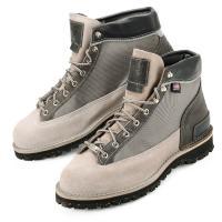 """大人気のニューバランスから、1932年創業のアメリカ合衆国オレゴン州のブーツメーカー"""" DANNER..."""