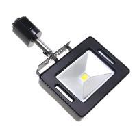 店舗などに多く採用される照明用ダクトレールに取り付ける、照射角120度・750ルーメンの10W薄型投...