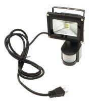 ■低消費電力で明るく虫が寄りにくい10WのLED CHIPを組み込んだ人感センサー付き投光器、明るさ...