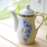 明るいブルーの花柄が上品な汁次です。 しょうゆやソース、ドレッシング入れにいかがですか? 洋食器 卓...