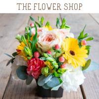 ■ ご注文から3営業日以内に発送致します。 ■ お花の種類、色の濃淡はその時期の最良のお花を使用致し...
