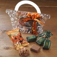 お子様から大人の方までお楽しみいただけるハロウィンパッケージの2種のチョコレート。 口どけが良くまろ...
