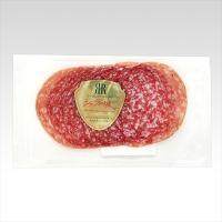 豚肉を細挽きにしたミンチを使用。表面の白いカビが風味をよくし、香りが強いのが特徴です。リーガロイヤル...
