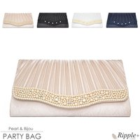 艶めくサテン生地にパールとビジューが施され華やか&上品なパーティーバッグ♪ シンプルなドレスと合わせ...