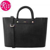 FURLA   サイフ   財布 上質なレザーを贅沢に使用したエレガントなスタイルのハンドバッグです...