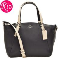 COACH 鞄 シンプルなデザインながらも、ハンドルの金具デザインに高級感のあるチェーンがラグジュア...