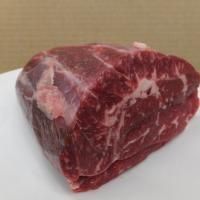 当社で大切に育てた『越後牛』のスネ肉です。スネはふくらはぎの部分で牛肉の中では硬い部位になります。 ...