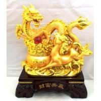 ◇サイズ:約36×30×17cm◇ ◇ポリエステル(樹脂)製◇  風水にて高い効果を持つ、龍と馬の置...