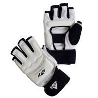 ■製品特徴 アディダス(adidas)WTF公認ハンドプロテクター。   試合と練習中の手の怪我を防...
