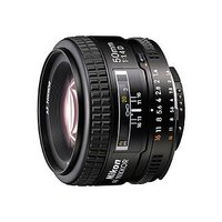 一眼レフカメラを楽しむなら、1本は持っておきたい標準レンズ
