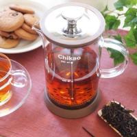 細かい茶葉や、コーヒーの抽出に!耐熱ガラス製のティーサーバーです。メモリが印字されている機能的なタイ...