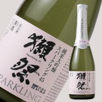 獺祭にごり酒は辛口の純米吟醸をベースにシャンパンと同じ「瓶内二次発酵」で造られます。一般によくある発...