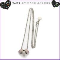 幅のあるリングを使った存在感のある3連リングネックレス。 70cmもあるロングチェーンは、シンプルで...