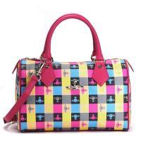 ヴィヴィアンウエストウッド「LOGOMANIA」シリーズの長財布です。ピンクを基色にブラックやグレ、...