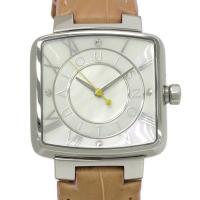 ルイヴィトンの個性的な角型モデル時計、スピーディ。文字盤は微かにピンクのラメが入った白い塗面とホワイ...