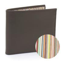 なめらかな手触りの上質カーフを使用した、ポールスミスの二つ折り財布。必要な収納機能をコンパクトに備え...