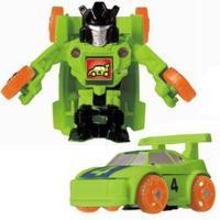 大人気トランスフォーマーがミニサイズで登場です☆乗り物の前の部分がぶつかると一瞬でロボットに変形!!...