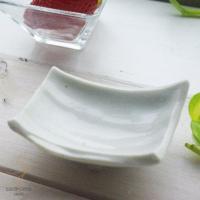 趣深い、小さな和の小付です。  和食器のぬくもりに手作り土物質感のやわらかさが伝わってきます。  温...