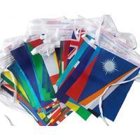 サイズ:14cm×21cm/枚  全長25m / 100枚100カ国の国旗が1本のひもでつながった万...