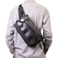 ショルダータイプとウエストタイプ両方で使える、2WAYタイプのデザイナーズウエストバッグ。ショルダー...