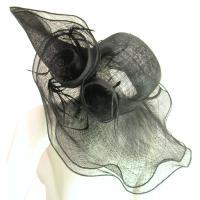 キャプリーヌハットつば広くるくるモチーフ羽根付きガーデンハット女優帽レトロ映画ブラック黒LASeduce