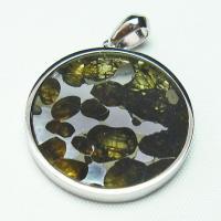 パラサイト隕石かんらん石ペンダント
