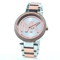 MKのロゴが文字盤にかたどられた腕時計♪ファッション性も高く、多くの女性に人気☆キレイなデザインが◎...
